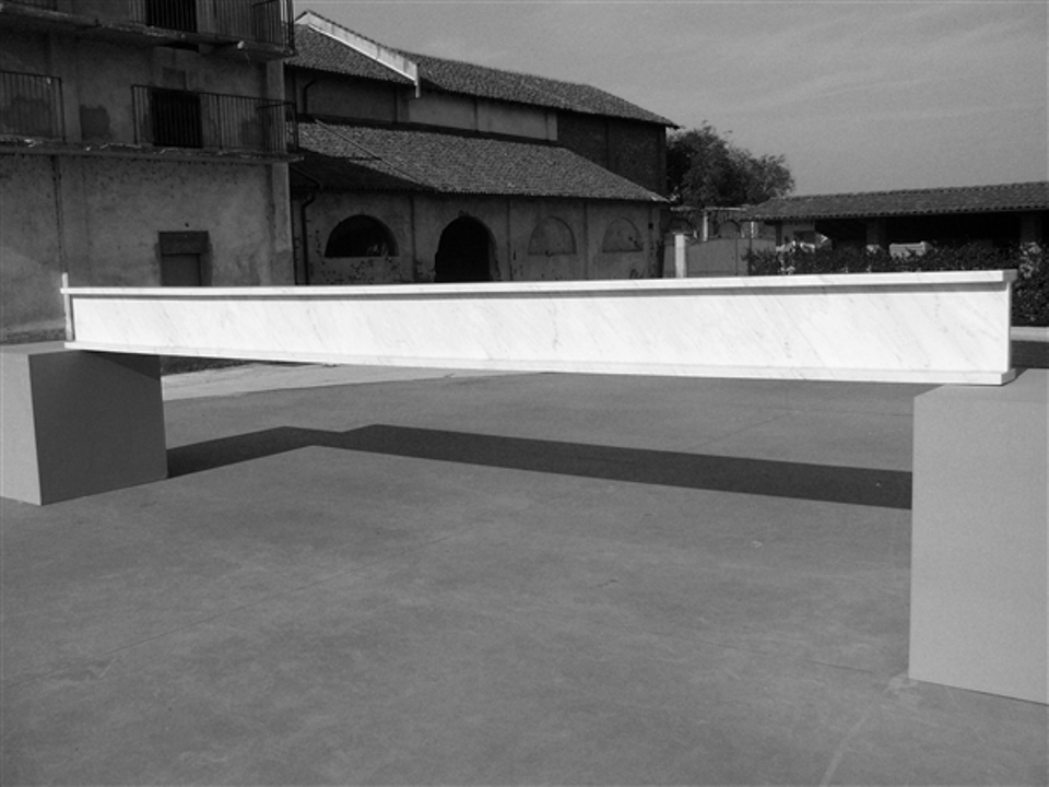 Fabio Viale – Flat line