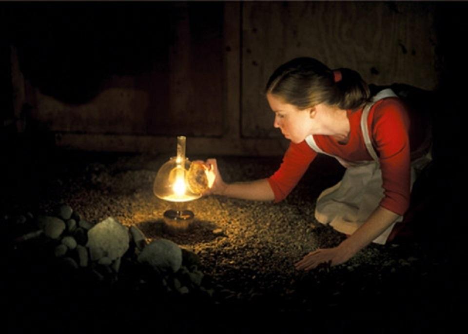 Margot Quan Knight – Lamp (Collect)