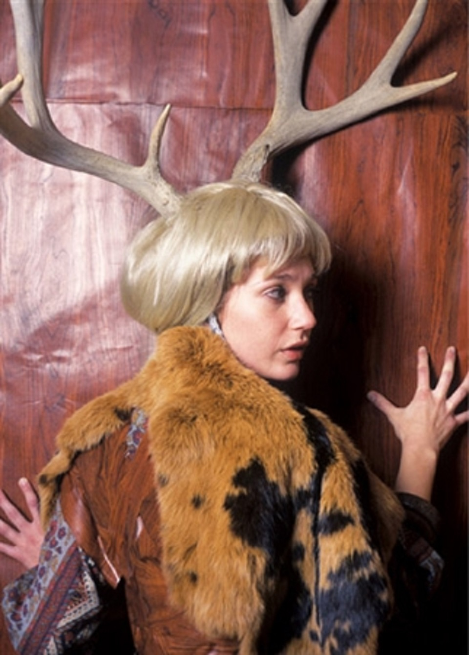 Margot Quan Knight – Wallpaper (The Hunt)